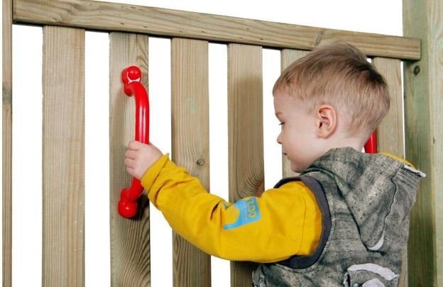 Plastikinės rankenėlės vaikų žaidimų aikštelei. UAB MK Mediena