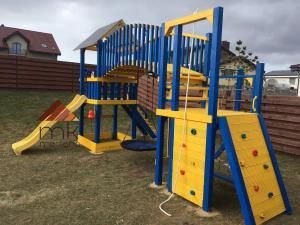 Vaikų žaidimo aikštelė - mediskitaip.lt, UAB MK Mediena